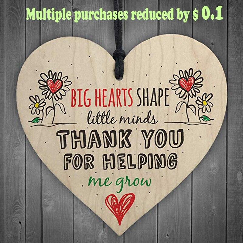 C professor deixando presente berçário de madeira pendurado pingente coração placa decoração decorações natal para casa fs12