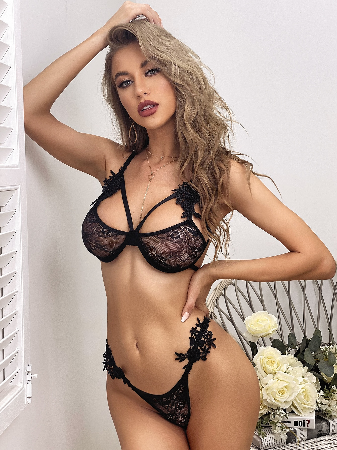 European and American fashion net red lace gauze ultra thin perspective with steel ring fun underwear bra set T-shaped underwear