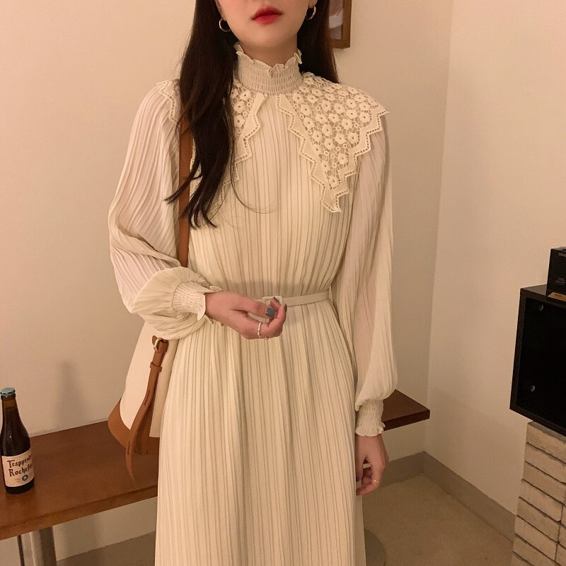 H7694635f349d4effb68dce51c1a35c96m - Spring / Autumn Lace Stand Collar Long Sleeves Pleated Midi Dress with Belt