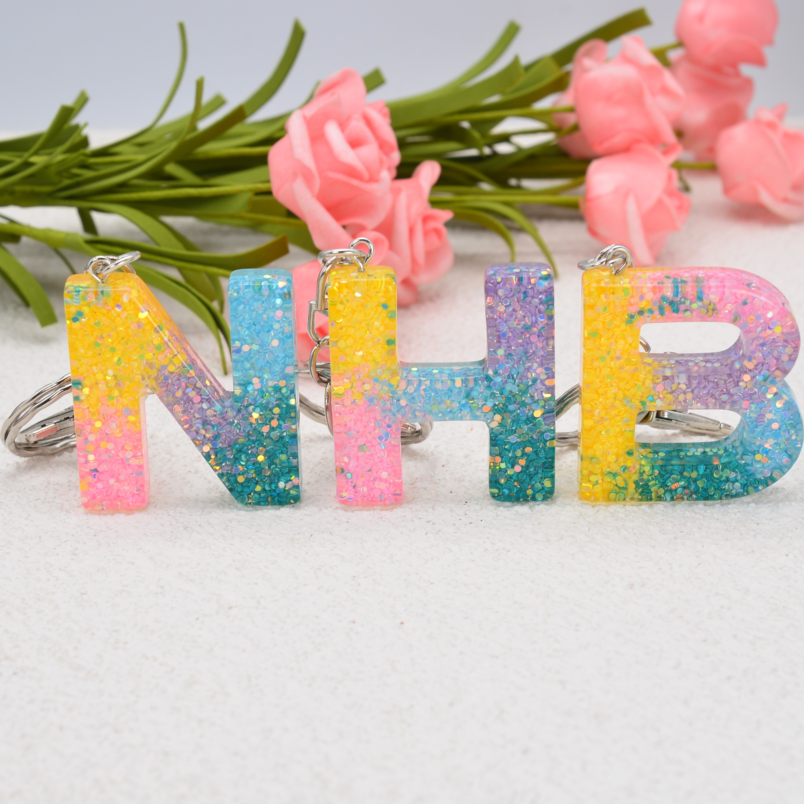 1Pc New Fashion English Letter Colorful Sequin Keychain Resin Keyring Charms Bag Car Pendant Jewelry