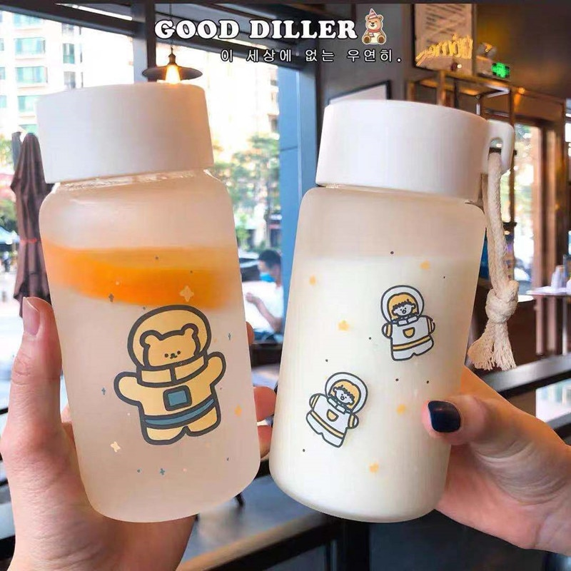 500ml Astronaut Plastic Water Bottle BPA Free Creative Frosted Water Bottle With Portable Rope Cute