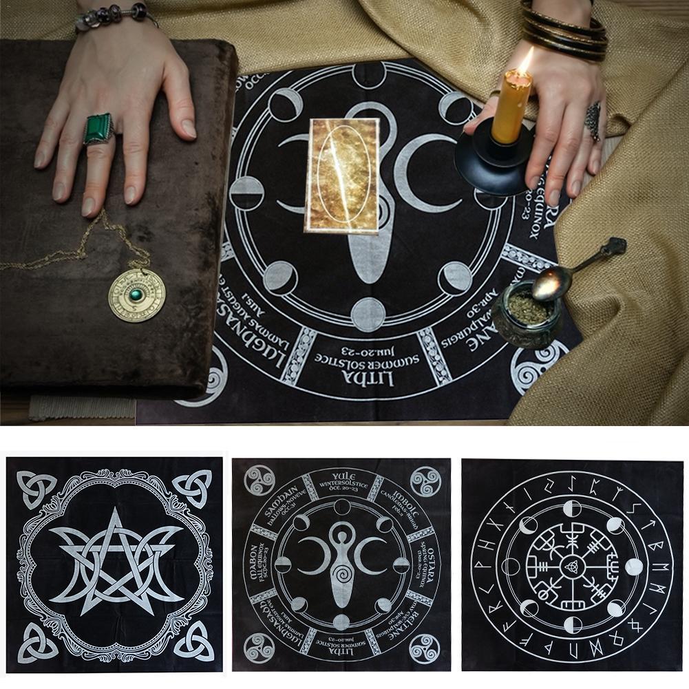 Alta calidad 49x49cm mantel para Tarot mantel de adivinación Triple Luna pentagrama Altar pagano Tarot de tela de franela