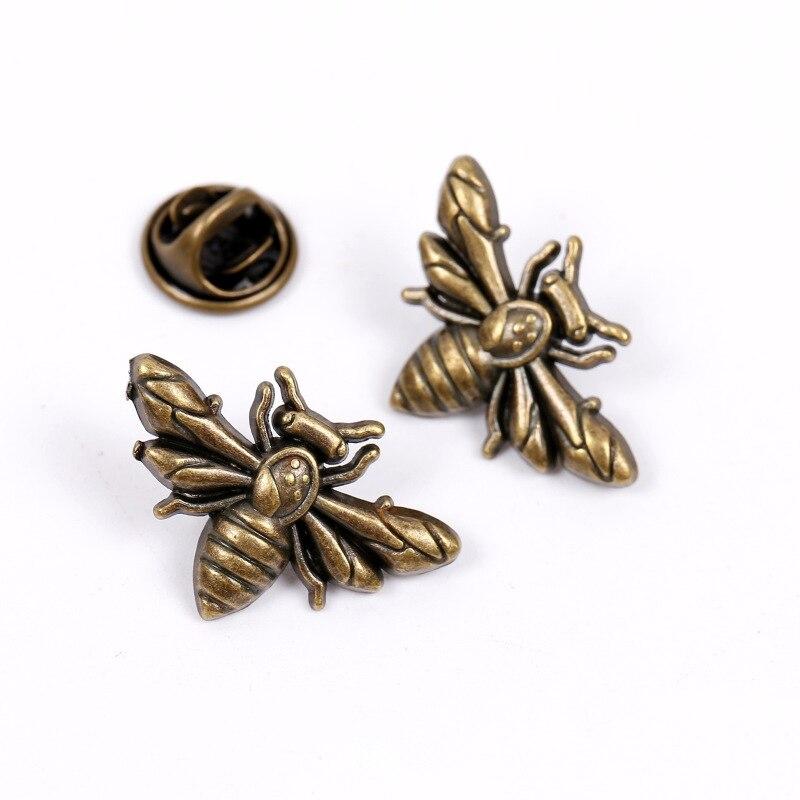2 uds. Broche de solapa de insecto Bumble Bee prendedor Pin de solapa para hombres novedad broche de Cuello de camisa broche de solapa de traje insignia para hombres accesorios de joyería de moda