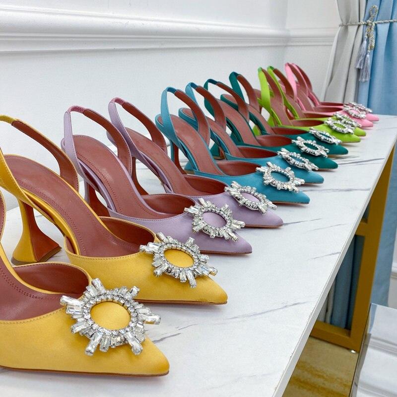 حذاء نسائي عصري غير رسمي أنيق حذاء نسائي من الساتان الأسود ستراس بمقدمة مدببة وكعب عالي حذاء مفتوح من الخلف حذاء للعروس والخنجر