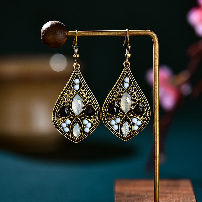 Vintage Gold Alloy Black Crystal Stone Water Drop Earrings For Women Ethnic Pink Beaded Carved Bohemian Earrings Indian Jewelry