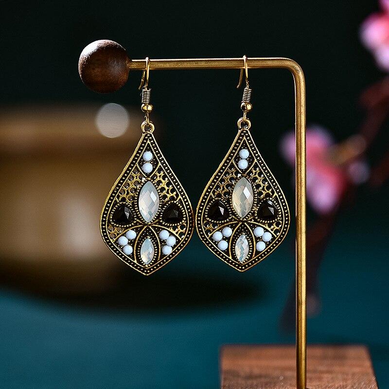 В винтажном стиле; Из золотого сплава черного цвета с украшением в виде кристаллов воды камня, свисающие серьги для женщин, серьги в этническом стиле, розовое, вышитое бисером, резные богемные серьги, индийские украшения