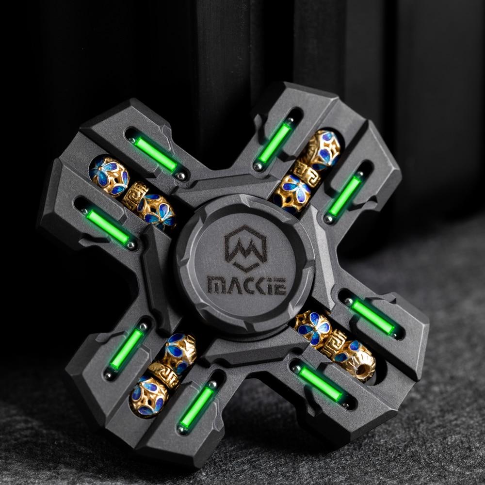 Mackie Titanium Four-leaf Fingertip Gyro EDC Rotation Between Fingers enlarge