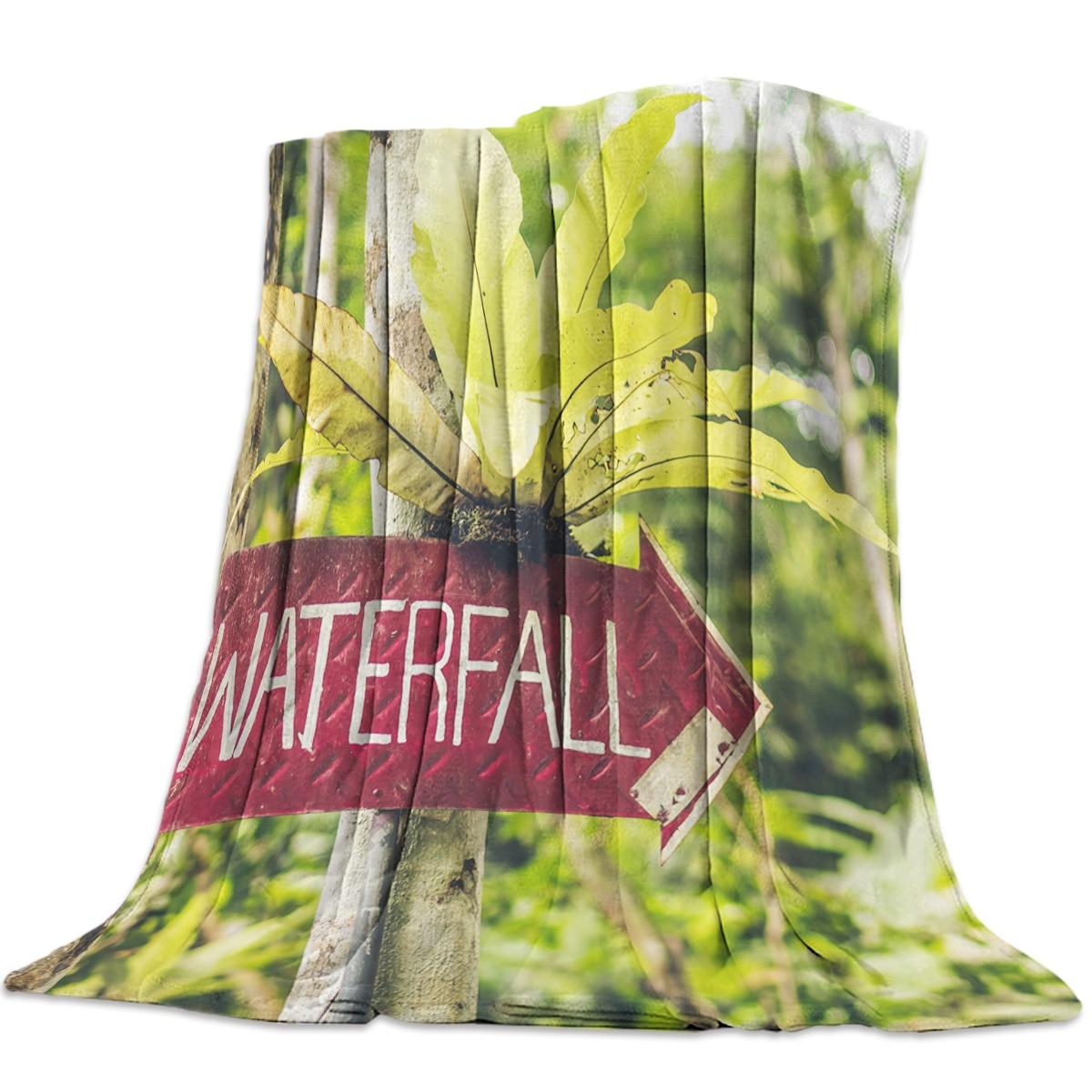 Paisaje Natural en otoño tropical Tailandia niños arrojan mantas con mantas cálidas con temática de plantas