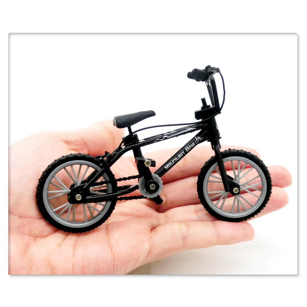 Mini dedo Retro BMX bicicleta montaje bicicleta modelo juguetes Flick Trix bicis de dedo juguetes BMX bicicleta novedad mordaza juguetes niños regalos