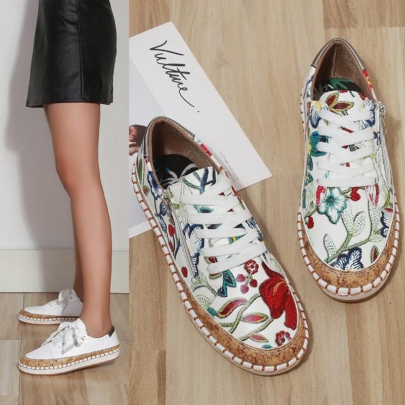 Primavera e Outono Nova Sapatos Casuais Femininos Estilo Chinês Moda Flor Lado Zíper Único Tamanho Grande Mocassins 2021
