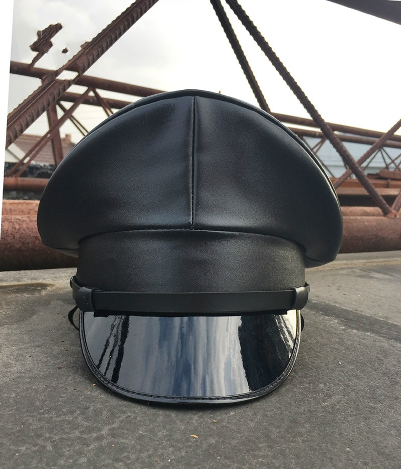 2020 أسود جلد بولي Leather قبعة جلدية كبيرة قبعة عسكرية كبيرة قبعة لها حواف الأداء قبعة ملهى ليلي نمط قبعة رجالي فيدورا قبعة