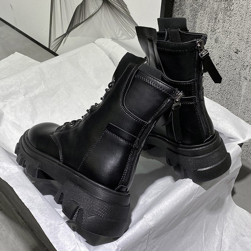 prova perfetto punk style women ankle boots special two kinds of wear rivet studded martin boots lace up genuine leather botas 2021Casual Style Martin Ankle Boots Woman Genuine Round Toe Flat Chunky Heel Boots Ladies Lace Up Platform Boots Botas de mujer