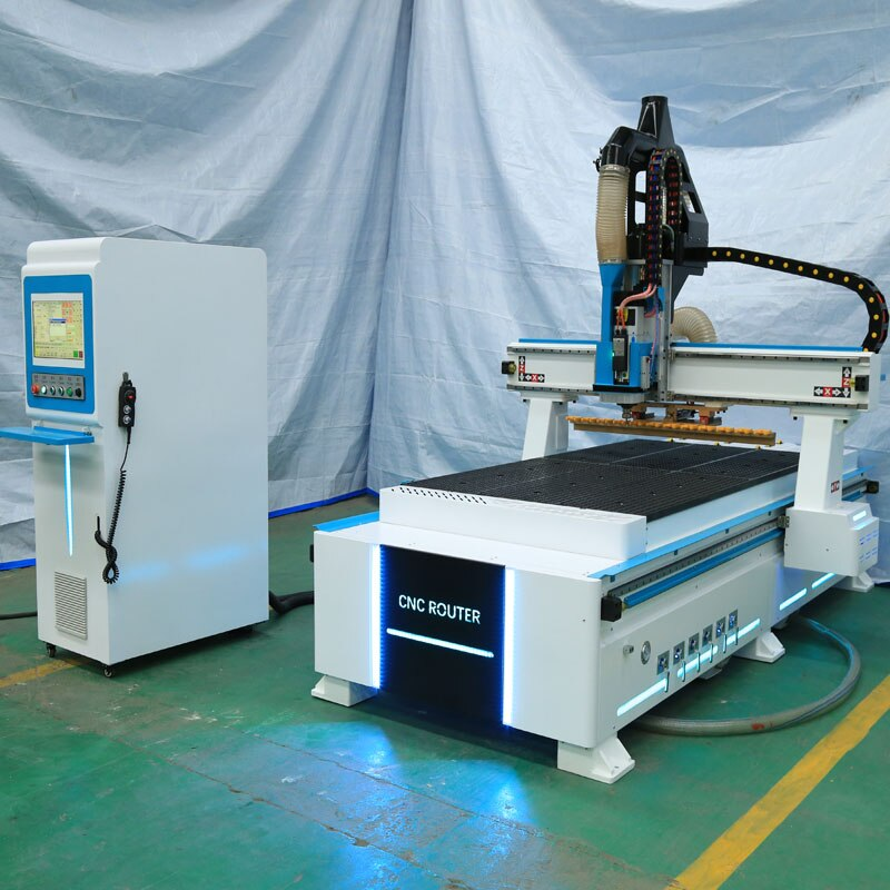 Cambiador de herramientas automático hecho en casa chino, máquina de carpintería 1325 1530 grande enrutador cnc máquina atc para carpintería 3d