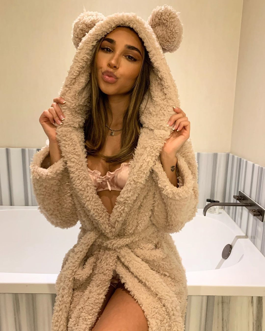 2020 Winter Kimono Robe Plush Fleece Scalloped Bath Robes For Women Soft Warm Long Sleeve Hooded Nig