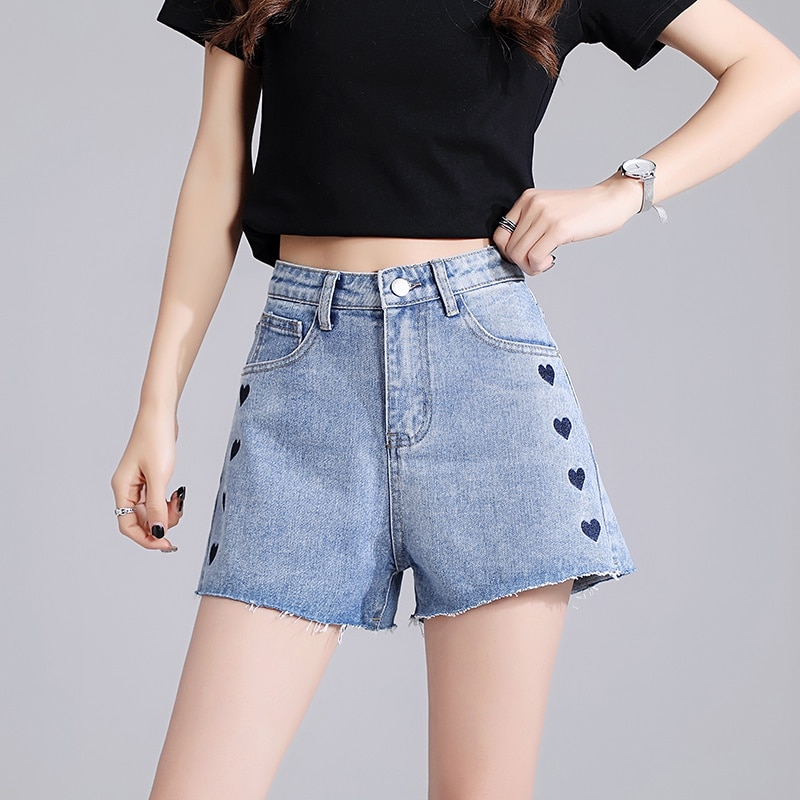 2021 New Slimming A- Line Wide Leg Five Points Pirate Shorts Fashion Ins