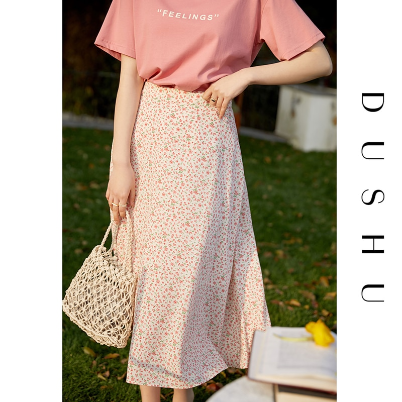 DUSHU الأحمر الرجعية الأزهار تنورة المرأة الصيف 2021 جديد عالية الخصر ألف خط تنورة منتصف طول البوهيمي قيعان الملابس