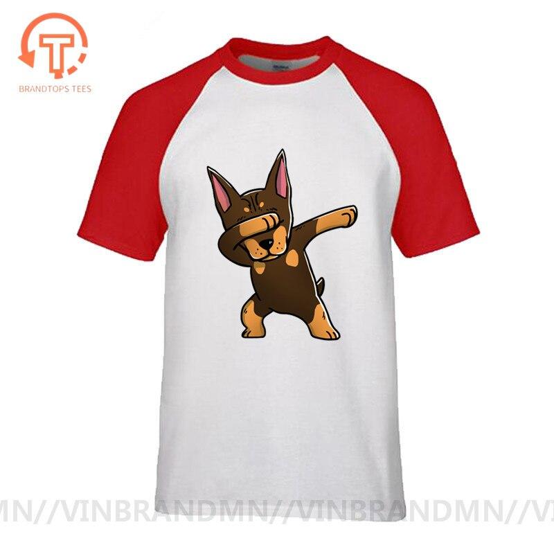 Bonita camiseta Dab de Doberman marrón para hombre, camiseta estampada con animales de Hip Hop de cuello redondo para verano, divertida camiseta Hipster de Pinscher Dabbing Dog