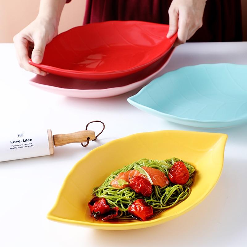 طبق من السيراميك, طبق إبداعي من أوراق الشجر جر للاستخدام المنزلي مع مجموعة كبيرة من الأرز للعائلة