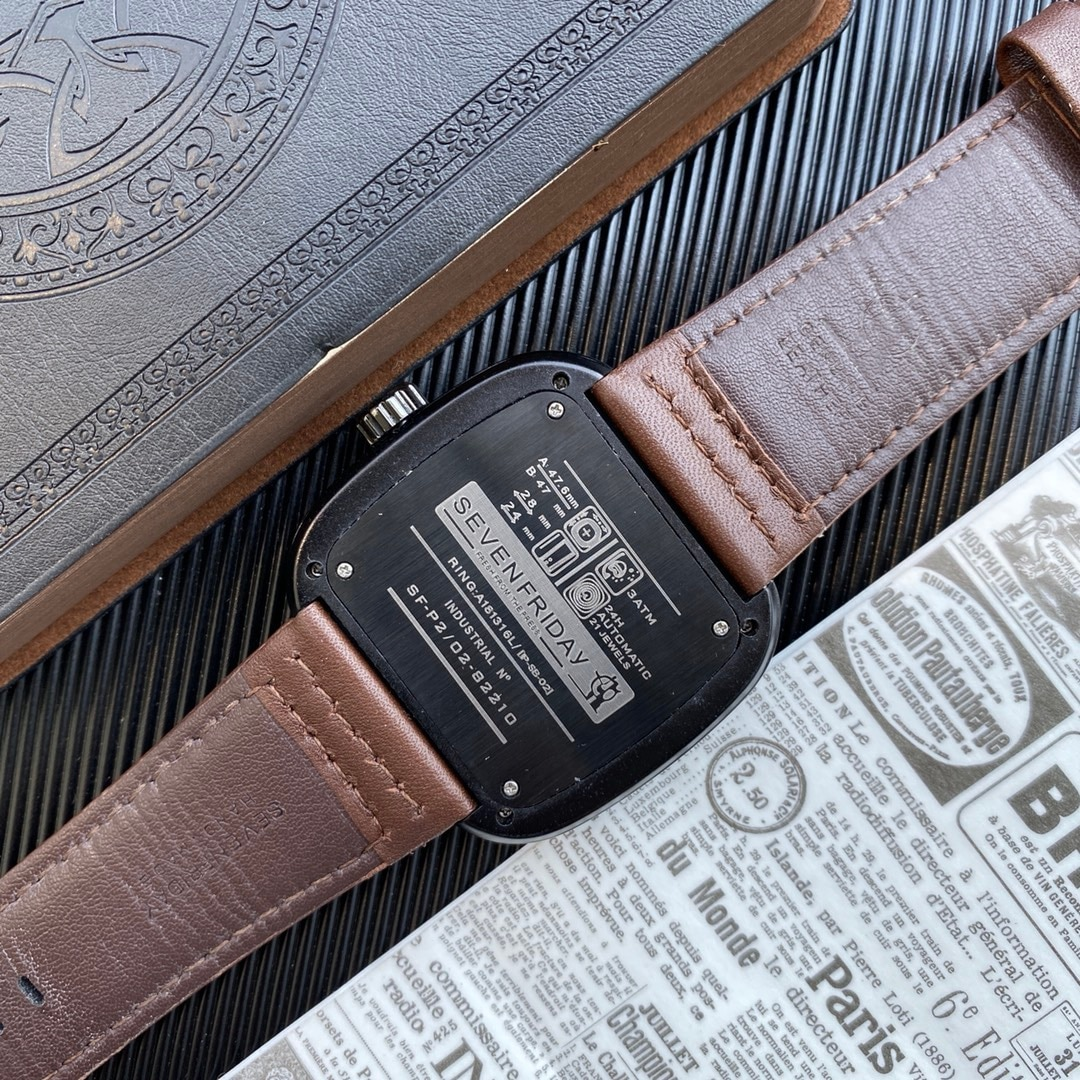 2021 new high-quality leather strap, suitable for seven men's watches, fashionable black silver Friday leather watch enlarge