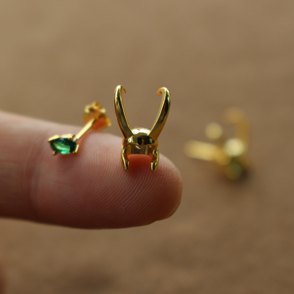 أقراط خوذة Loki من الفضة الإسترليني عيار 925 ، أقراط خارقة ، مجوهرات خارقة ، هدية عيد الحب