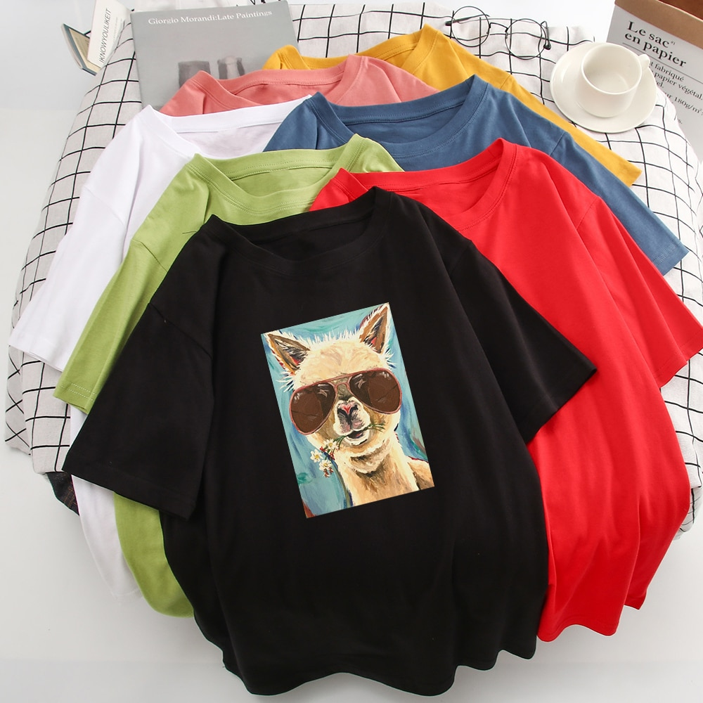 Erfrischende Design Neue T Shirt Frauen Alpaka Mit Sonnenbrille Ist Essen Gras Grafik Druck T-shirt Kawaii Lose Vogue T Hemd
