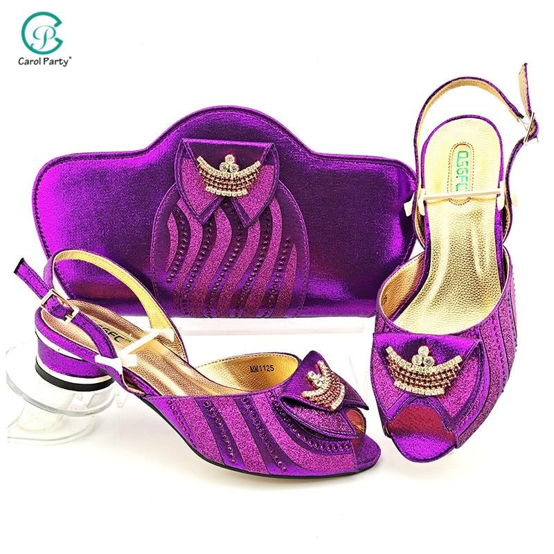التصميم الإيطالي 2021 وصول جديد الأفريقية أنيقة أرجواني اللون أحذية السيدات لحفلات الزفاف وحقيبة مزينة بحجر الراين