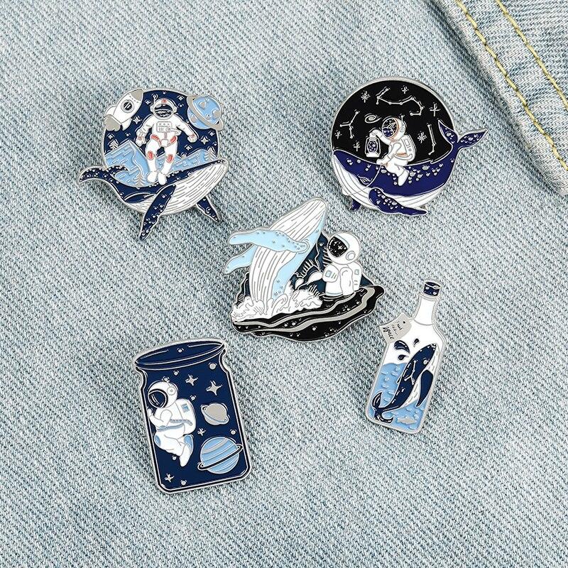 XEDZ astronaute espace univers émail broche mode et baleine galaxie badge bijoux ami cadeau