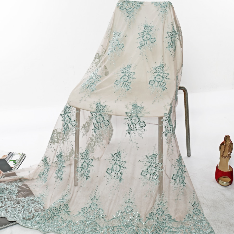 Bordado de malla de 5 yardas de tela con lentejuelas vestido de boda bordado Punto de tela tres en uno bordado de hueso de la cuerda del coche