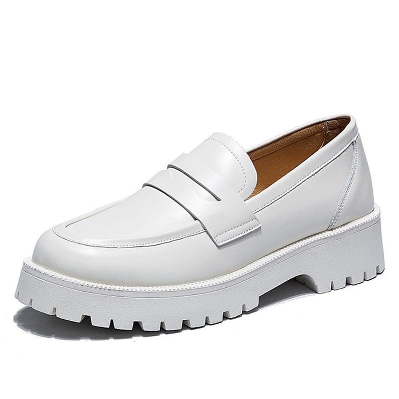 الربيع الأحذية الإناث البريطانية Style2021new الأبيض سميكة سوليد كلية نمط حذاء بدون كعب جلد أحذية أنيقة الفتيات أحذية رياضية