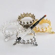 1Pcs โลหะเล็บปากกาแปรงขาตั้งผู้ถือ Glitter Crown เพิร์ลออกแบบเล็บมือเล็บเครื่องมือปากกาแสดงชั้นวาง
