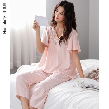 Pajamas WOMEN'S Summer Cotton Gauze Short Sleeved Capri Pants Tracksuit Summer Thin Cotton Middle-Aged Mom Suit
