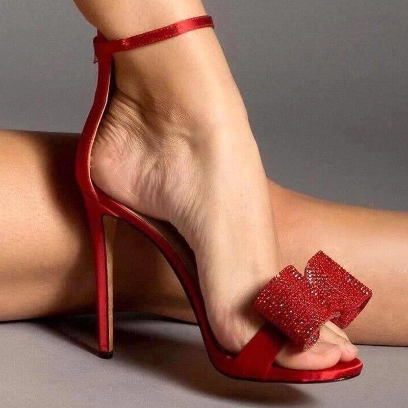 صنادل دوريس فاني للنساء ، أحمر وأبيض ، أحذية صيفية ، أحزمة ، كعب عالي ، مجموعة 2020
