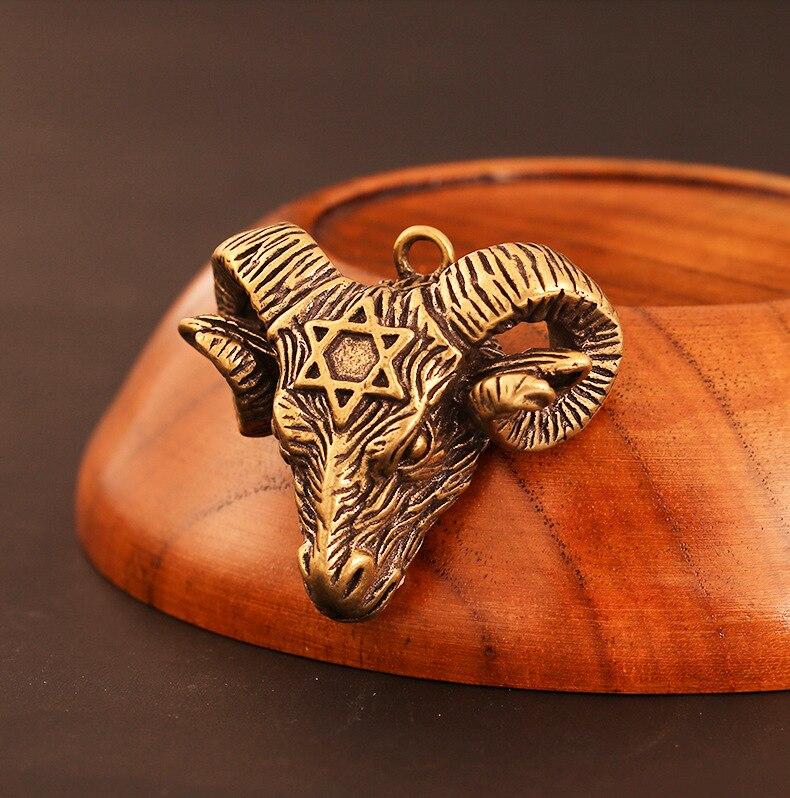 Hecho a mano cabeza de cabra de latón puro DIY colgante miniatura, decoración accesorio llavero colgante accesorios de recuerdos a0374