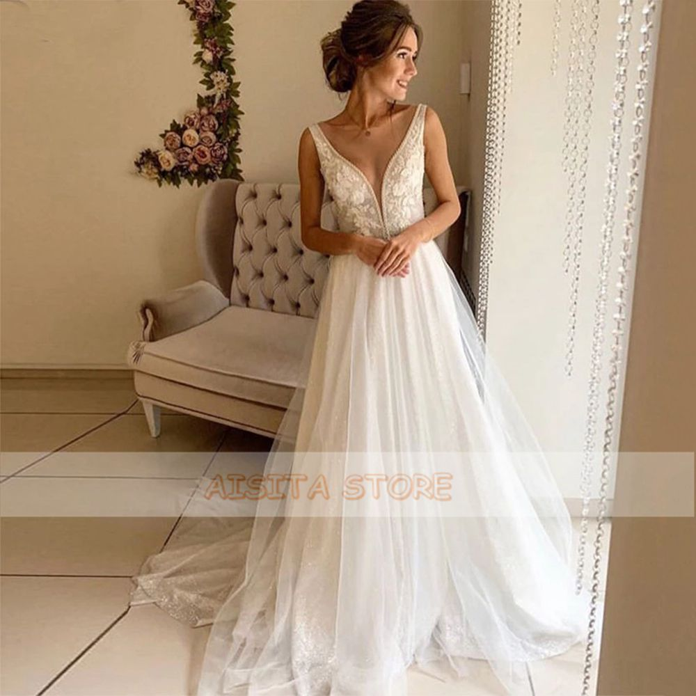 Sexy Wedding Dresses V Neck Sleeveless Lace Appliques Tulle Button Back A Line Court Train Bridal Gowns Robe De Mariée Custom