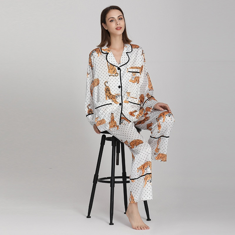ميزون جابرييل خريف 2021 جديد بولكا دوت تايجر بيجامات مُزينة بطباعات مجموعة ملابس النوم للنساء 2 قطعة بيجامة طويلة الأكمام