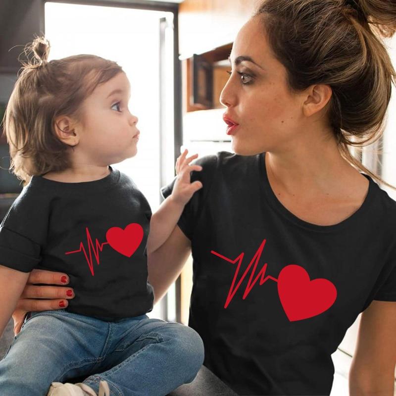 Bonita ropa familiar a juego, camiseta de mamá y yo, ropa para madre e hija, camiseta para mujer, mamá, camiseta para bebé, niña, niños
