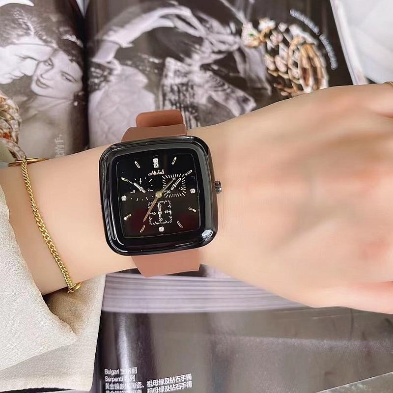 Super Luxury Black Square Women Watch Waterproof  Fashion Crystal Watches Lady Casual Quartz Watch Clock Hours + Gift Box