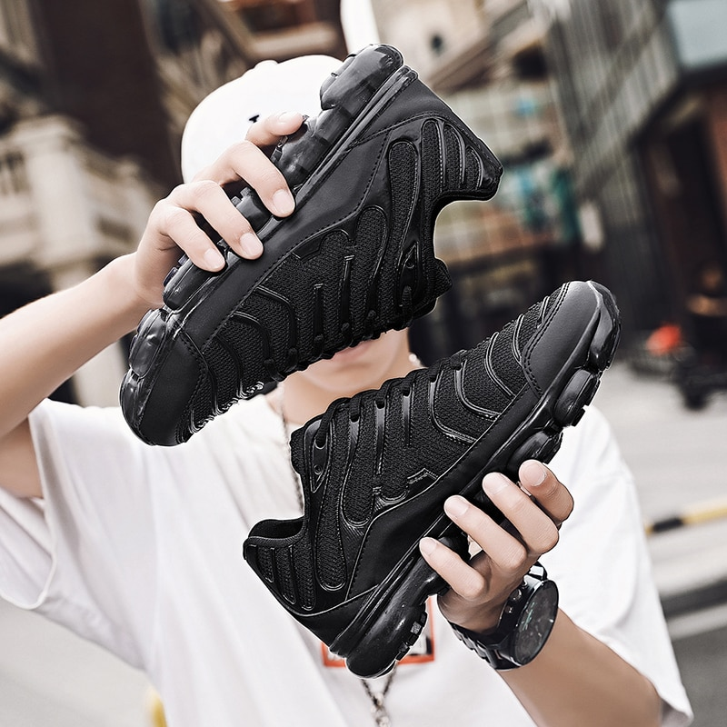 Men's Lightweight Running Shoes High Quality Outdoor Sports Men's Shoes Casual Sneakers Breathable Air Cushion Sports Shoes Men