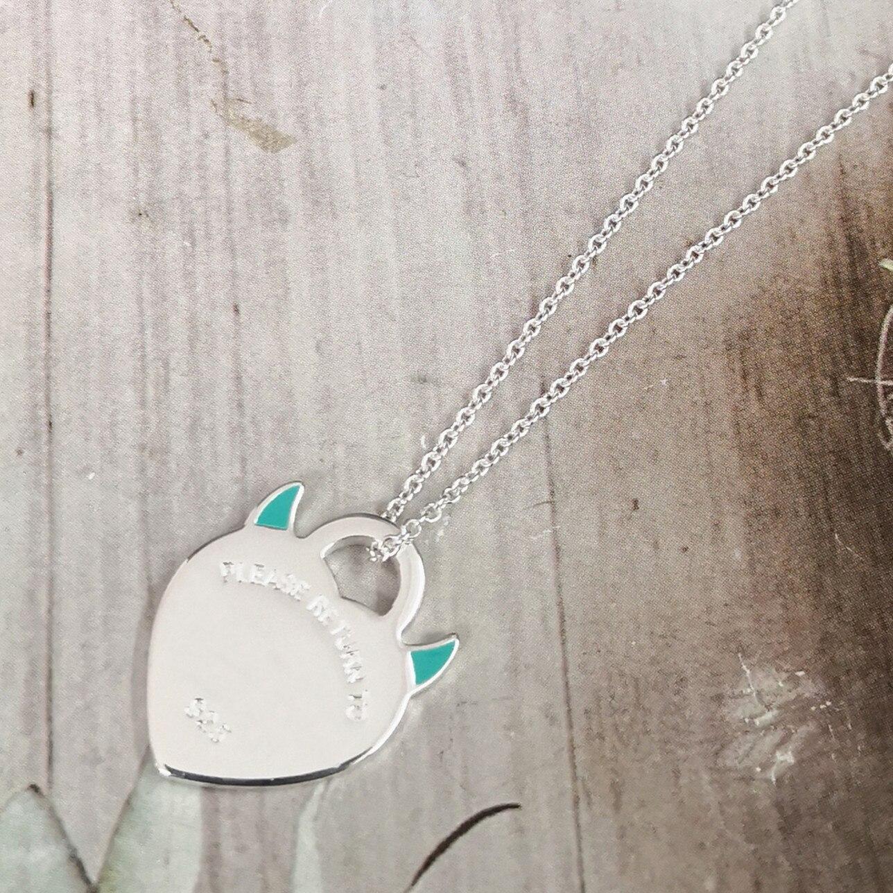 Ms S925 الفضة النقية الكلاسيكية الوردي المينا الشيطان قرون على شكل قلب قلادة فضية قلادة السماوي الغراء الأزرق على شكل قلب قلادة