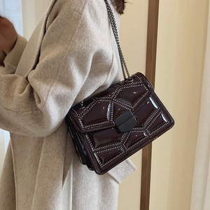 Autumn and winter new women's bag 2019 new wave fashion Korean version of the wild chain shoulder slung small square bag
