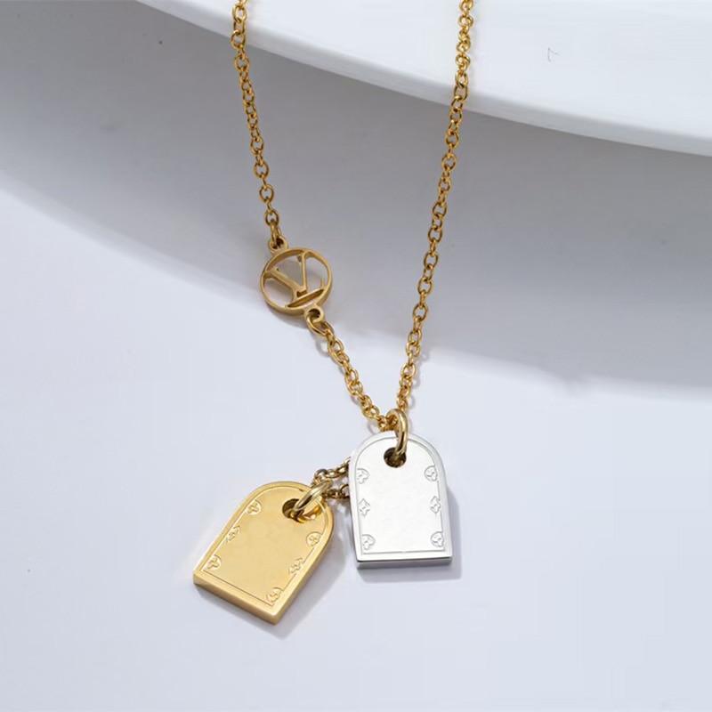 L قلادة زوجين رومانسية الرجال والنساء مزدوجة علامة قلادة حلية الديكور ، عالية الجودة الفاخرة والمجوهرات هدية 1:1