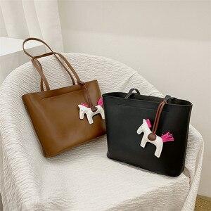 Брендовая дизайнерская большая сумка, женские винтажные сумки из мягкой кожи, роскошные повседневные Наплечные сумки, Минималистичная ком...