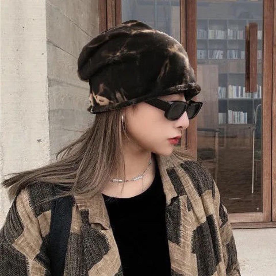 Женская однотонная трикотажная шапка в рулоне