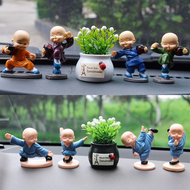 Estatua de niño kungfú chino decoración de Interior de coche decoración de dibujos animados regalo de Navidad para niños pequeño monje de resina
