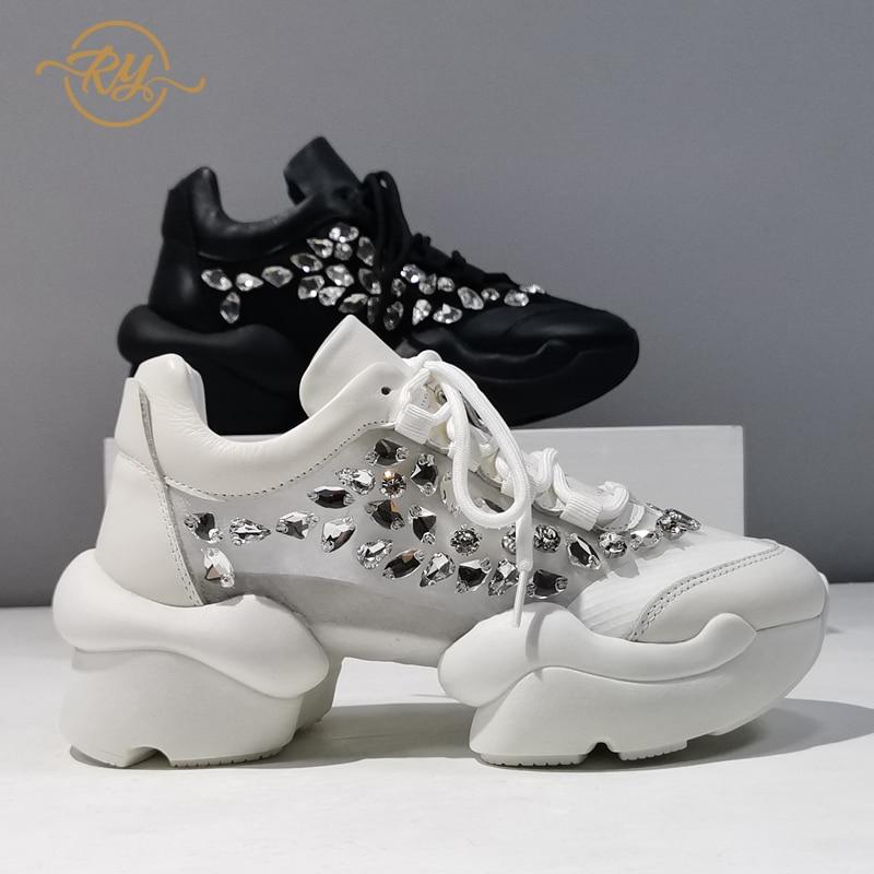 RY-RELAA أحذية نسائية أوروبية جلد طبيعي أحذية منصة 2021 موضة صيف جديد نمط حجر الراين أحذية رياضية ins المد