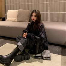 Internet Celebrity in Hong Kong Style Autumn and Winter New Loose Retro V-neck Rhombus Sweater Coat