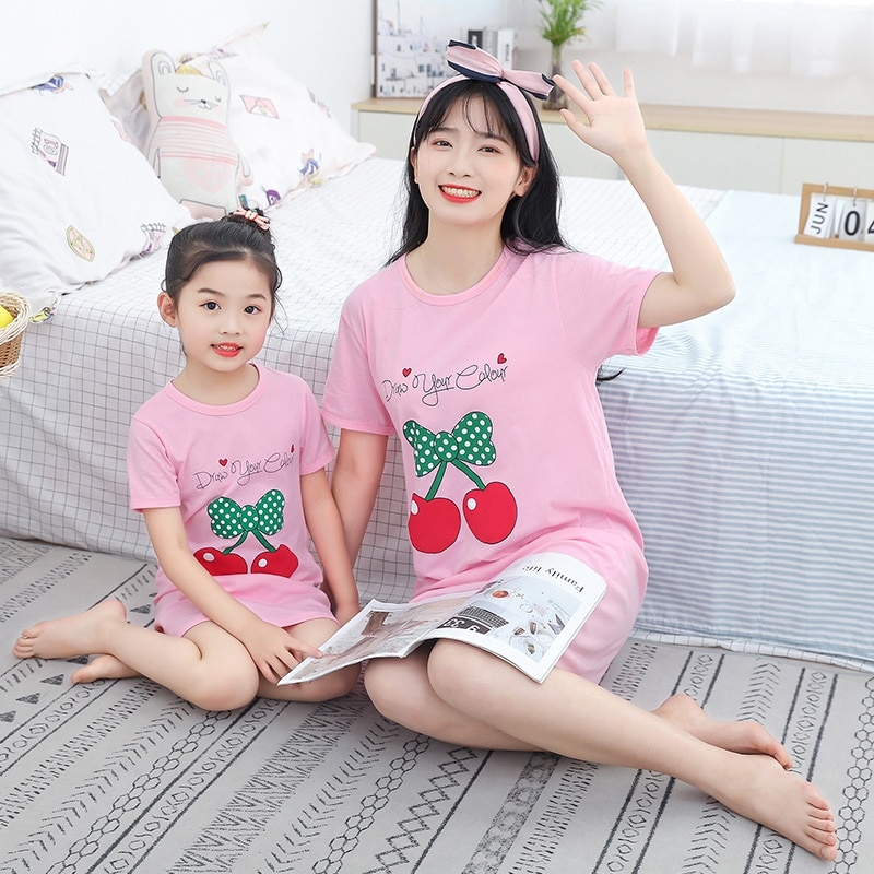 Pijama familiar a juego, vestidos para madre e hija, trajes para madre e hijo, ropa de dormir para niños, camisón de dibujos animados, pijama familiar