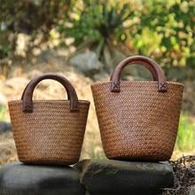 Poignée en bois fait main sac de paille sacs à main tissés Vintage sac de vacances en bord de mer sac seau en rotin