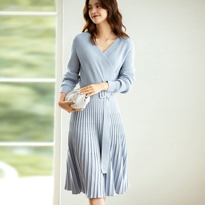 2020 autumn and winter new fashionable niche cross V-neck mid-length high-waist lace-up pleated knitted dress one