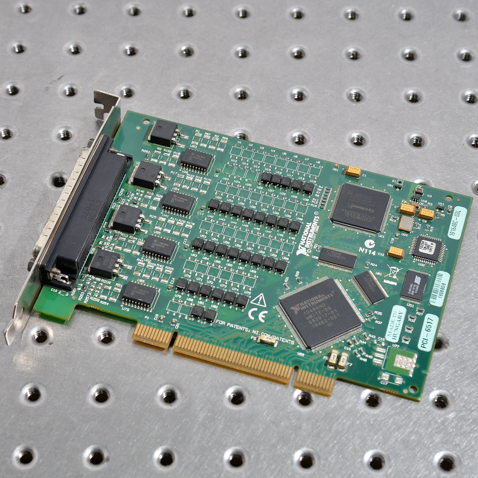 NI PCI-6517 Digital I/O Equipment Industrial Digital Output Card